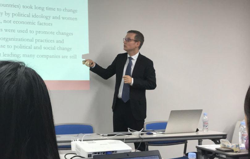 第5回女性活躍推進企業情報交換会(エドマン・ジェスパー准教授)